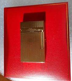 T Memorial D upont lighter Bright Sound! New In Box Serial number Gold