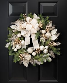 Pearl & Gold Elegance 24 Artificial Holiday Wreath at Petals / OfficeScapesDirect 591519732285677668 Gold Christmas, Christmas Home, Christmas Holidays, Christmas Crafts, Christmas Ornaments, Christmas Cookies, Diy Christmas Decorations For Home, Holiday Decor, Diy Wreath