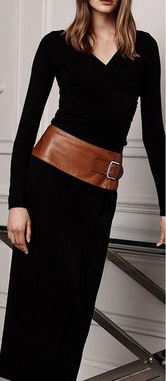 Ralph Lauren Pre-Fall 2016 black dress women fashion outfit clothing style apparel closet ideas (love the belt) Look Fashion, Womens Fashion, Fashion Design, Fashion Trends, Fashion 2017, Fashion Check, Fashion Stores, Ralph Lauren Style, Looks Black