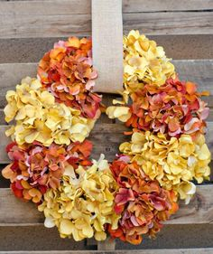 7 Rustic DIY Home Decor Projects HuffPost Life diy fall craft projects - Diy Fall Crafts Diy Fall Wreath, Autumn Wreaths, Fall Diy, Wreath Ideas, Diy Home Decor Projects, Craft Projects, Fall Projects, Decor Ideas, Craft Ideas