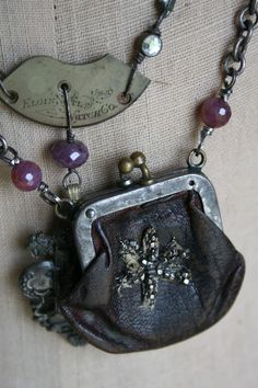 Karen you are going to have to use that coin purse sooner or later. Source by kdecapite Jewelry Crafts, Jewelry Art, Beaded Jewelry, Vintage Jewelry, Handmade Jewelry, Jewelry Design, Jewlery, Handmade Bracelets, Assemblage