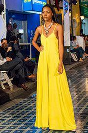 Yellow Pasarela Curaçao model search HossH and Alejandra Valdivieso accesories maxi necklace. Maxi collar maxinecklace