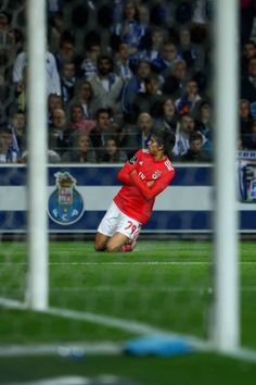 Joao Felix of SL Benfica celebrates scoring SL Benfica goal during the Liga NOS match between FC Porto and SL Benfica at Estadio do Dragao on March Benfica Wallpaper, Ronaldo Wallpapers, Fc Porto, Don Juan, Soccer Stars, Sports Clubs, Football Players, Real Madrid, Portugal