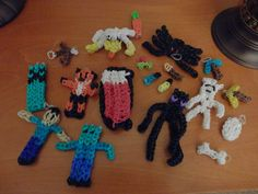 Mine craft rainbow loom charms 19 pieces by TinyHangingHeart, $25.00