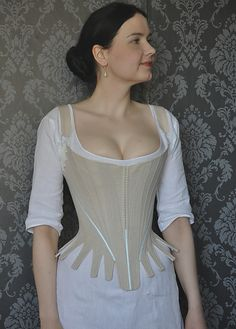 Before the Automobile: 1780's stays    Tietoja HANDSEWED this corset!!! I love the detail shots she has of this amazing piece of art.