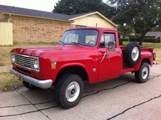 '75 International Harvester 4×4 w/ 304 V8. Love this one.