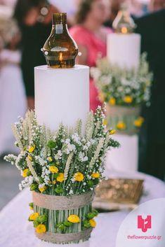"""Λαμπάδα γάμου με λουλούδια από το Flower Puzzle. """"Κάθε event κι ένα αγαπημένο παζλ από λουλούδια!"""" Δείτε περισσότερα στο Gamos Portal!  #weddingflowers Puzzle, Table Decorations, Flowers, Home Decor, Puzzles, Decoration Home, Room Decor, Royal Icing Flowers, Home Interior Design"""