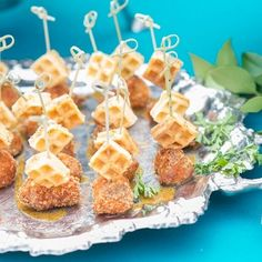 Mini chicken & waffle appetizers are a great addition for a Southern inspired summer affair! #weddingfood #summerwedding #springweddings