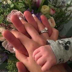 Read 40 from the story Insta Baby Camren by (Beatriz Lima) with reads. Cute Baby Pictures, Baby Photos, Cute Little Baby, Cute Babies, Babies Pics, Cute Maternity Outfits, Baby Momma, Pregnant Couple, Love