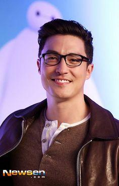 Big Hero 6 Press Conference in Seoul <3 <3 <3 <3 <3 <3  #Smile #Glasses Credit: Daniel Henney Vietname on Facebook <3