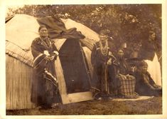 Menominee women on the reservation, ca. Native American Wisdom, Native American Photos, Native American Women, Native American History, Native American Indians, Menominee Tribe, Native American Photography, Indian Tribes, Winter Scenes