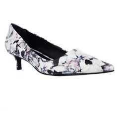Charles By Charles David Drew Kitten Heels Pumps - Dark Multi Floral (895 MXN) ❤ liked on Polyvore featuring shoes, pumps, multiple colors, mid-heel pumps, pointed toe shoes, multi coloured shoes, colorful pumps and multi colored pumps
