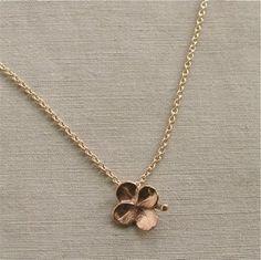 gold four leaf clover necklace