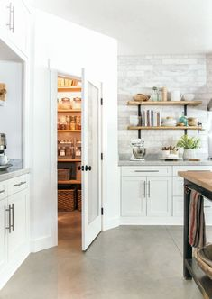 This kitchen looks nice but the pantry is awesome! via This kitchen looks nice but the pantry is awesome! via - Own Kitchen Pantry Corner Kitchen Pantry, Kitchen Pantry Design, New Kitchen, Kitchen Storage, Kitchen Dining, Kitchen Decor, Kitchen Cabinets, Corner Pantry Cabinet, Kitchen Ideas