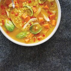Hearty Chicken, Barley and Vegetable Soup Mushroom Barley Soup, Red Lentil Soup, Gourmet Recipes, Vegetarian Recipes, Healthy Recipes, Ricardo Recipe, Detox Salad, Chicken Soup Recipes, Healthy Salads