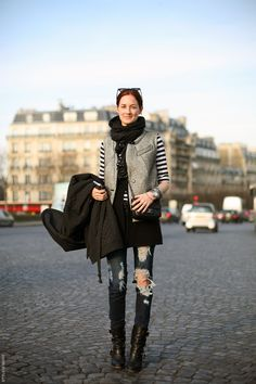 Taylor Tomasi Hill at Paris Fashion Week. I love her style. Taylor Tomasi, Fashion Editor, Fashion Stylist, Looks Style, Style Me, Anna Dello Russo, Emmanuelle Alt, Street Chic, Paris Street