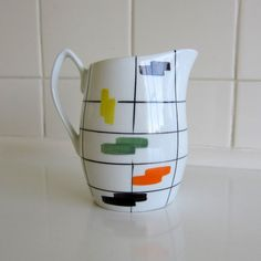 vintage creamer - may steal this design for a future trip to color me mine :)