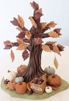 Fondant Cake Tutorial, Fondant Toppers, Wilton Cakes, Fondant Cakes, Cupcakes, Cupcake Cakes, Fondant Tree, Marzipan, Wafer Paper Flowers