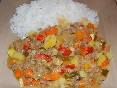 A delicious quick winter curry with a hint of sweet and sour. Mince Recipes, Beef Recipes, Cheese Triangles, Carrot Curry, Dry Mustard, Rice Dishes, Stuffed Green Peppers, Skillet, Good Food