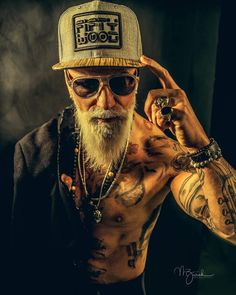 445 mentions J'aime, 27 commentaires - Gregorio (Gregorio Boiano) sur Instagra. Beard Styles For Men, Hair And Beard Styles, Beard Art, Men Beard, Joker Pics, Creation Art, Boy Tattoos, Father Tattoos, Hipster Beard