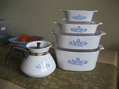 I remember these casserole dishes. My mom still uses them!