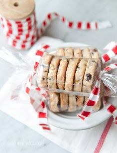 5 Beautiful Ways to Package Homemade Cookies and Treats is part of Bake sale packaging - Homemade 5 Beautiful Ways to Package Homemade Cookies and Treats is part of Bake sale packaging, Homemade cookies, Cookie packaging, Christmas bakin Bake Sale Packaging, Bakery Packaging, Packaging Ideas, Cookie Exchange Packaging, Diy Cookie Packaging, Christmas Cookies Packaging, Holiday Cookies, Cranberry Cookies, Holiday Treats