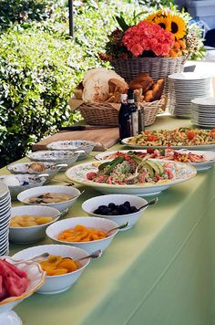 Should You Serve The Food As Buffet Or Sit Down At Your Reception We