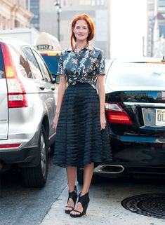 taylor tomasi hill floral shirt black skirt