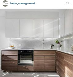Kitchen Hood Design, Kitchen Cabinet Design, Modern Kitchen Design, Kitchen Layout, Kitchen Decor, Backyard Kitchen, Modern Kitchen Cabinets, Kitchen Trends, Cuisines Design