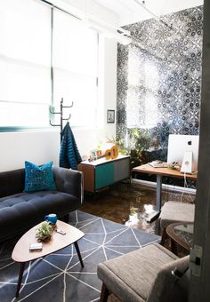 Chudin Design Collective has designed the new offices of educational hip-hop company Flocabulary, located in Brooklyn, New York. Corporate Office Design, Modern Office Design, Modular Lounges, Modular Sofa, Innovative Office, Office Decor, Brooklyn, Offices, Interior Design