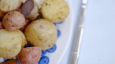 Grelots grillés | Cuisine futée, parents pressés Quebec, Vegetable Recipes, Yummy Food, Favorite Recipes, Vegetables, Four, Plaque, Lunch Recipes, Cooking Recipes