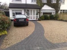 45 Inspiring Paving Stone Driveway Your Home Look Beautiful Pebble Driveway, Driveway Edging, Diy Driveway, Asphalt Driveway, Stone Driveway, Gravel Driveway, Driveway Landscaping, Cheap Driveway Ideas, Landscaping Ideas