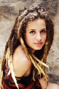 Find images and videos about girl, hair and dreads on We Heart It - the app to get lost in what you love. Dreads Styles, Dread Hairstyles, Cool Hairstyles, White Dreads, Red Dreads, Rasta Girl, Dreads Girl, Dreads Women, Natural Dreads