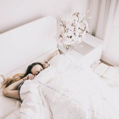 #bedroom #minimal #whitefeeds