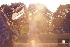 Erotikfotograf Matthes Trettin #erotik #erotikfotografie #aktshooting #feld #sonnenuntergang
