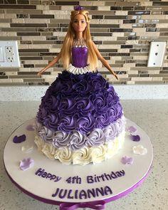 Princess cake dress #buttercreamcakes #barbiecake #barbie#buttercreamflower #princesscake #woodbridge #woodbridgecakes #vaughan #vaughancakes
