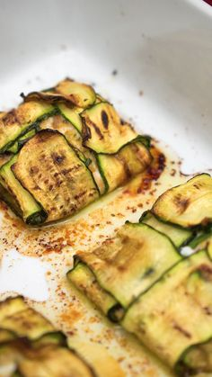 Baked courgette rolls - Skewers with ham and f .-Involtini di zucchine al forn. Baked courgette rolls - Skewers with ham and f . Cheesy Recipes, Seafood Recipes, Italian Recipes, Mexican Food Recipes, Vegetarian Recipes, Cooking Recipes, Healthy Recipes, Zucchini Side Dishes, Buzzfeed Food Videos
