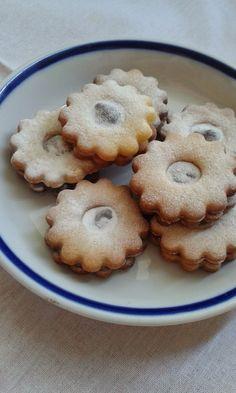 Linzer koszorú Bakery, Sweets, Cookies, Food, Crack Crackers, Gummi Candy, Candy, Biscuits, Essen