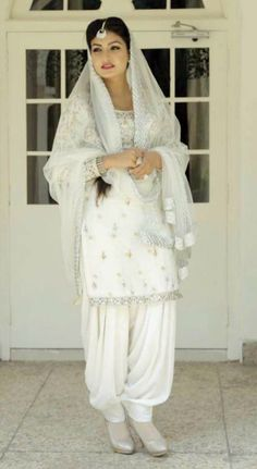 Anmol Gagan Maan Designer Punjabi Suits, Indian Designer Outfits, Indian Outfits, Patiala Salwar Suits, Salwar Dress, Anarkali, Pakistani Dress Design, Pakistani Dresses, Gown Dress Party Wear