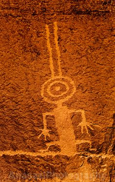 Bee-man shamen from cave painting in Northern Algeria - Ecosia Arte Tribal, Tribal Art, Ufo, Paleolithic Art, Cave Drawings, Ancient Aliens, Ancient History, European History, American History