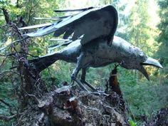 Raven 3. Metal sculpture by Dariusz Guńka. Guńka DESIGN.