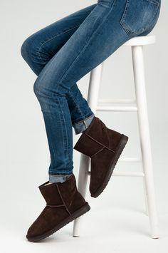 Žieminiai batai su pašiltinimu  http://www.vela.lt/moteriski/ilgaauliai/zieminiai/smelio-spalvos-zieminiai-batai-su-pasiltinimu-cnb-6-detail
