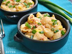 This super quick Southwest Mac n Cheese uses Greek yogurt to make a creamy cheese sauce. Step by step photos.