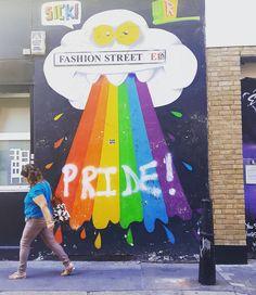Happy rainbows is what we all need  #london #streetart #londonstreetart #streetartistry #streetartlondon #graffiti #londongraffiti #instagraff #graffitilovers #rainbow #fashionstreet #ukstreetart #urbanart #wallporn #urbanwalls #notbanksyforum #streetarteverywhere