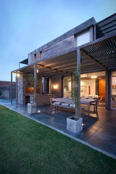 66 Ideas For House Ideas Exterior Modern Garage Modern Exterior, Exterior Design, Outdoor Rooms, Outdoor Living, Indoor Outdoor, Parrilla Exterior, Outside Living, Exterior Siding, Stone Flooring