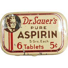 Old Medicine Tin - Dr. Sauer's Aspirin Antique Bottles, Vintage Bottles, Advertising Signs, Vintage Advertisements, Vintage Ephemera, Vintage Ads, Vintage Medicine Cabinets, Vintage Trunks, Vintage Medical