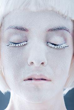 Editorial, Septum Ring, Makeup, Rings, Jewelry, Fashion, Make Up, Moda, Jewlery