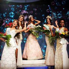 Venezuela un Paraíso con Nombre de Mujer.. Edymar Martinez Miss Venezuela Internacional 2014 y Mariana Jinemez Miss Venezuela 2014 y su Cuadro de Honor..