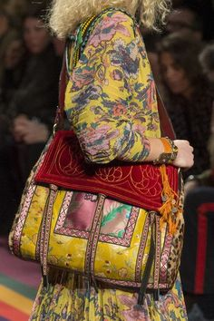 Etro, Fall 2017 - Milan& Fall Runway Purses Are Too Pretty Not to Pin - Photos Fashion Bags, Boho Fashion, Autumn Fashion, Fashion Accessories, Milan Fashion, Hippie Chic, Hippie Style, My Style, Ropa Shabby Chic