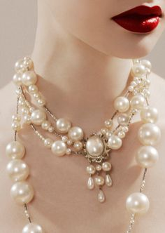 red lips & pearls (by Jamie Nelson)